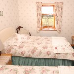 holiday-cottage-twin-bedroom